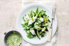 Kijk wat een lekker recept ik heb gevonden op Allerhande! Groene lentesalade met avocadodressing