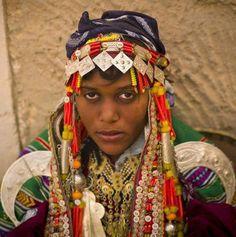 Black Moroccan Women | moroccan women a berber woman wears her prized silver jewelry