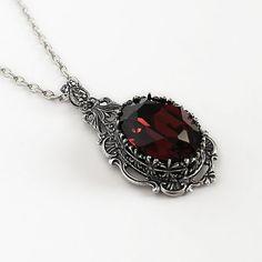 `.Gothic Burgundy Necklace | Aranwen's Jewelry.