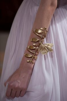 Animal instincts: from haute couture into next season. The fall 2012 haute couture runways Non Plus Ultra, Fashion Accessories, Fashion Jewelry, By Any Means Necessary, Statement Jewelry, Fashion Details, Ideias Fashion, Jewelry Design, Bling