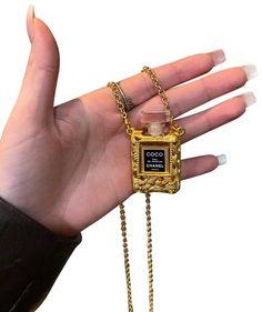 Keychain Design, Chanel Perfume, Vintage Chanel, Coco Chanel, Gold Hardware, Luxury Fashion, Retail, Money, Signs