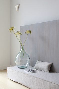 simple large green glass vase and seed heads | mansion in The Hague © Remy Meijers12