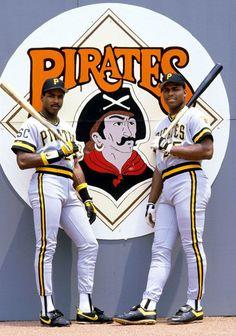 The Pirates' Barry Bonds & Bobby Bonilla Mlb Pirates, Pittsburgh Pirates Baseball, Pittsburgh City, Pittsburgh Sports, Baseball Batter, Pirate Photo, Mlb Players, Sports Figures, Sports Photos