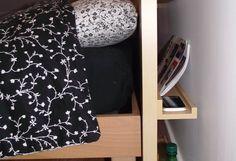 Une tête de lit DIY simple et bien rangée - Bidouilles IKEA