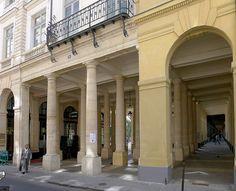 Paris Ier - Péristyle de Joinville vu de la rue de Beaujolais (n°19 péristyle de Joinville - Galerie de Montpensier)