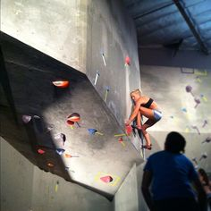Sierra Blair Coyle working her way up on the ACG wold class bouldering comp!