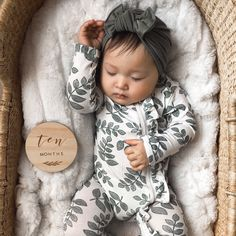 Baby Girl Photos, Baby Pictures, Cute Babies, Baby Kids, Baby Baby, Spearmint Baby, Girls Coming Home Outfit, Newborn Coming Home Outfit, Winter Newborn