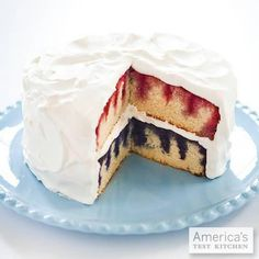 Patriotic Poke Cake from Cook's Country-- Flavored gelatin and fresh berries give white cake layers stripes of ruby red and berry blue. Cakes To Make, Just Cakes, How To Make Cake, Poke Cakes, Poke Cake Recipes, Layer Cakes, Cupcakes, Cupcake Cakes, Köstliche Desserts