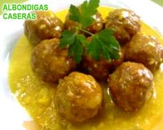 Recipe albondigas con salsa de almendras al vapor by learn to make this recipe easily in your kitchen machine and discover other thermomix recipes in carnes y aves. Gourmet Recipes, Cooking Recipes, Healthy Recipes, Albondiga Recipe, Pork Skewers, Tapas, Stuffed Peppers Healthy, Spanish Dishes, Food Decoration