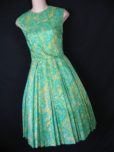 green and gold paisley print. Retro Christmas, Paisley Print, Green And Gold, Neiman Marcus, Party Dress, Memories, Silk, Summer Dresses, Fashion