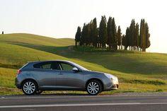 Włoszka jak się patrzy! Poznaj stylową Alfa Romeo Giuliettę na www.alfaromeo.pl #AlfaRomeo #Giulietta #bella
