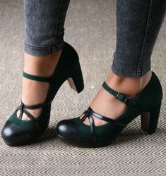 6 umwerfende Tipps: Designer Shoes Walks Vintage-Schuhe 40 & s.Vans Shoes Suede 6 umwerfende Tipps: Designer Shoes Walks Schuhe Vintage 40 & s; Pretty Shoes, Beautiful Shoes, Crazy Shoes, Me Too Shoes, Suede Shoes, Shoe Boots, Leather Booties, Ankle Booties, Leather Shoes