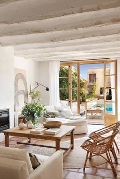 A country retreat in the heart of Barcelona by Sacum Romantic Home Decor, Natural Home Decor, Target Home Decor, Cheap Home Decor, Home Interior Design, Home Design, Interior Colors, Interior Livingroom, Interior Paint