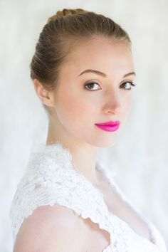 How to apply a Bold Pink Powerful Lip Makeup Tutorial :: Red Carpet Makeup Look :: Wedding Makeup to make a statement :: Seen on Style Me Pretty :: Michelle Girard Photography Design Beauty Make-up, Bridal Beauty, Wedding Beauty, Bridal Makeup, Beauty Hacks, Hair Beauty, Beauty Stuff, Beauty Tips, Best Wedding Makeup