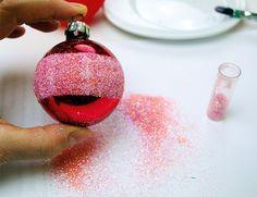 Weihnachtskugeln basteln. #Anleitung für 7 weihnachtliche Deko-Kugeln. #diy #weihnachten #winter #weihnachtsbaum