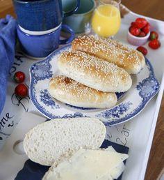 saftiga frukostfrallor Bread Shop, Fika, Hamburger, Cooking, Breakfast, Waffles, Bread Baking, Homemade, Food Food