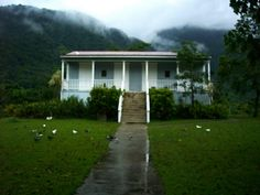 Old home in Jayuya Casa CAnales