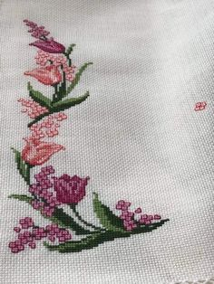 Embroidery Stitches, Embroidery Patterns, Flower Coloring Pages, Cross Stitch Rose, Modern Cross Stitch Patterns, Baby Knitting Patterns, Cross Stitching, Needlepoint, Top
