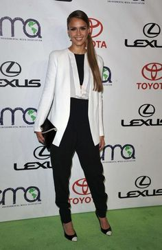 In love with Black-white or off white looks!!