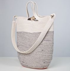 Wow, handwoven rope tote by Doug Johnston. Amazing detail.