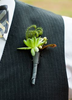 groomsmen boutonniere // Photo: Cory Ryan Photography // Event Planner: Sarah K. Wolf // TheKnot.com