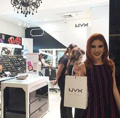 A linda blogueira @jehcastroo foi conhecer a loja da NYX do Shopping RioMar de Fortaleza e já saiu com todas as novidades para arrasar nos milhões de ventos que ela frequenta