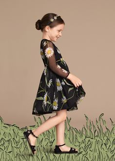 Discover the new Dolce & Gabbana Children Girl Collection for Summer 2016 and get inspired. Fashion Kids, Little Girl Fashion, Little Girl Dresses, Toddler Fashion, Girls Dresses, Dolce And Gabbana Kids, Little Fashionista, Outfits For Teens, Baby Dress