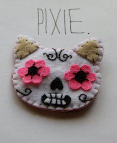 Cat Sugar Skull felt embroidered brooch Day of by gabbylonglegs, $12.00