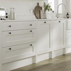 Kitchen Units, Kitchen Doors, Home Decor Kitchen, Kitchen Interior, Kitchen Design, White Shaker Kitchen, All White Kitchen, Shaker Style Doors, Shaker Doors
