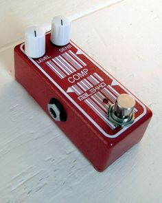 The Malekko Compressor Pedal is a high quality boutique classic stompbox compressor in an unprecedented tiny enclosure at an affordable price. Featuring the classic NOS CA3080 chip this pedal produces versatile and sensitive compression capable of sweet chunky rhythm riffing, chicken picking and guitar-singing feedback madness. Sounds great on bass too! http://www.pedalsnpickups.com/products/malekko-omicron-series-analog-compressor-pedal