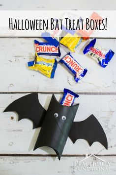 These Halloween bat treat boxes are too cute! Great kid's craft and great way to recycle a toilet paper roll or paper towel tube! by annette Halloween Treat Boxes, Easy Halloween Decorations, Halloween Games, Halloween Snacks, Halloween Activities, Holidays Halloween, Fall Halloween, Halloween Crafts, Halloween Party