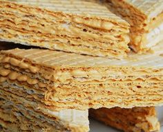 Wafle z karmelem Sweets Cake, Chocolates, Food And Drink, Bread, Recipes, Essen, Chocolate, Brot, Recipies