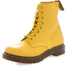 Hi Universe.... Can you hear me? I want this boots sooo muucch :-*