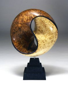 Breezy Hill Turning|Wood turned art by Michael Foster. This is one of the most amazing pieces I've ever seen.