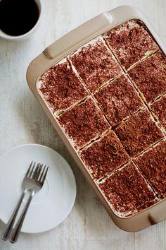 Simple Tiramisu « Dessert « Zoom Yummy – Crochet, Food, Photography Easy Tiramisu Recipe, Tiramisu Dessert, Chocolate Chip Recipes, Mint Chocolate Chips, No Cook Desserts, Easy Desserts, Easy Cooking, Cooking Recipes, Dessert Cups