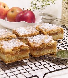 prosta szarlotka na kruchym cieście Polish Recipes, Cornbread, Sweets, Cookies, Ethnic Recipes, Cupcake, Miami, Kitchen, Thermomix