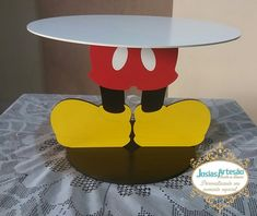 Bandeja Mickey por apenas 70,00 Bandeja grande 40 cm de diâmetro. Excelente qualidade: Corte à laser Pintura excelente Mdf de 6mm com peças de 3mm Agradecemos à Preferência! Theme Mickey, Fiesta Mickey Mouse, Minnie Mouse Theme, Mickey Y Minnie, Mickey Mouse Parties, Mickey Mouse Clubhouse Birthday Party, Mickey Mouse Birthday, Mickey Decorations, Mickey 1st Birthdays