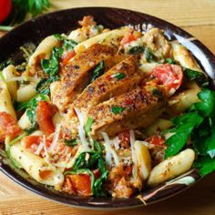Chicken Pasta with Bacon and Spinach in Creamy Tomato Sauce - What's In The Pan?