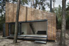 Cabaña del lago / FAM Architekti + Feilden+Mawson