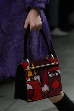 The complete Prada Fall 2017 Menswear fashion show now on Vogue Runway. You need a Prada handbag or Prada handbag sale then Click VISIT link above to read more - Prada purses,handbags Prada Bag, Prada Handbags, Fashion Handbags, Fashion Bags, 2017 Handbags, Prada Purses, Fashion Outfits, Casual Fashion Trends, Fashion Ideas