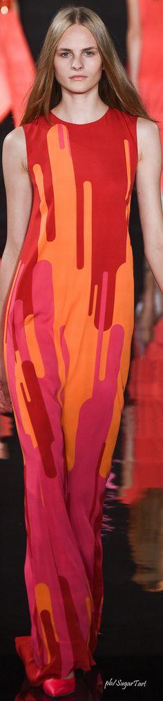 Valentin Yudashkin Spring 2016 RTW weird fashion #UNIQUE_WOMENS_FASHION