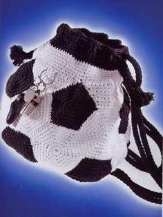 Free Bag Pattern...translate.  Soccer mum bag, haha