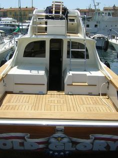 Risultati immagini per bertram 31 project Ocean Fishing Boats, Sport Fishing Boats, Sea Fishing, Saltwater Fishing, Saint Tropez, Bertram Boats, Fishing Yachts, Cruiser Boat, Power Boats For Sale