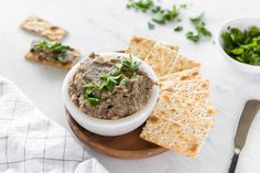 This vegan herbed mushroom pate recipe is a humane take on traditional pates, while still serving the same purpose in a delicious way! Pate Recipes, Veggie Recipes, Appetizer Recipes, Cooking Recipes, Appetizers, Veggie Food, Vegan Pate, Vegan Crab, Chopped Liver