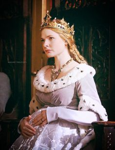 """Elizabeth Woodville in an adaptation of """"The White Queen"""" by Philippa Gregory"""