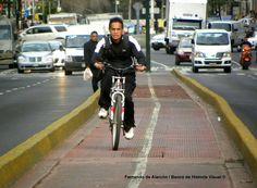 "¿""Ciclopista""? / ¿""Bicycle path""?"
