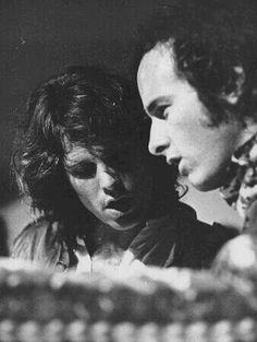 Jim and Robbie                                                                                                                                                                                 Mais