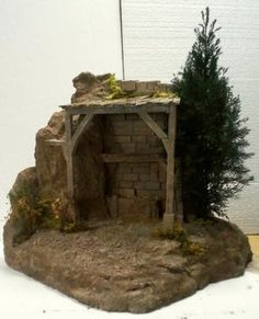 Belenismo Forum - Miniatures, details and complements -> miniatures and compleme . Christmas Village Sets, Christmas Nativity Scene, Christmas Crafts, Nativity Stable, Diy Nativity, Diy Butterfly Decorations, Christmas Stairs Decorations, Crib Decoration, Fontanini Nativity