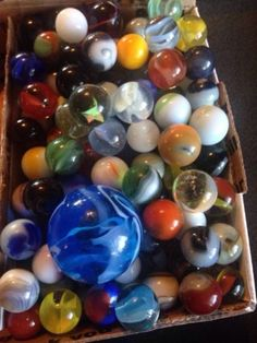 Vintage Old Collectible Marbles - http://hobbies-toys.goshoppins.com/marbles/vintage-old-collectible-marbles/