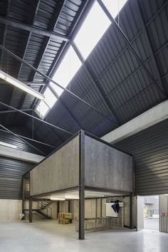 Gallery of Adémia Office Building and Industrial Warehouse /.- Adémia Office Building and Industrial Warehouse,© Nelson Garrido Warehouse Office, Warehouse Living, Warehouse Home, Warehouse Design, Industrial Office Design, Industrial Architecture, Sustainable Architecture, Residential Architecture, Contemporary Architecture